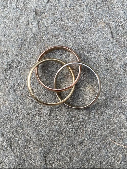 Tricolor 14k trinity band