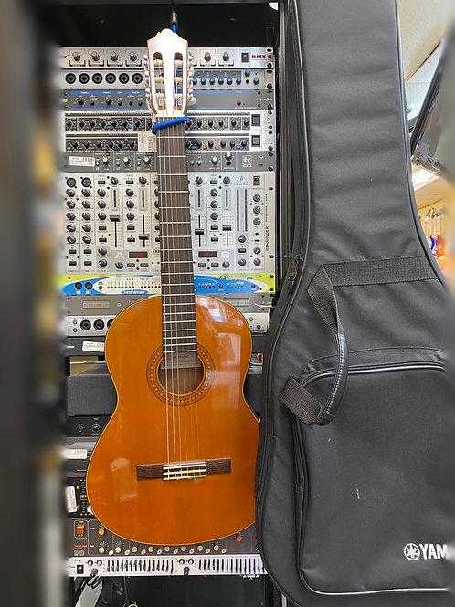 Yamaha CG142CH classical guitar