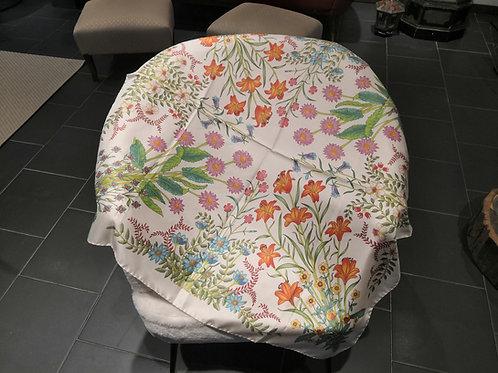 Gucci - Carrè in seta disegno a fiori