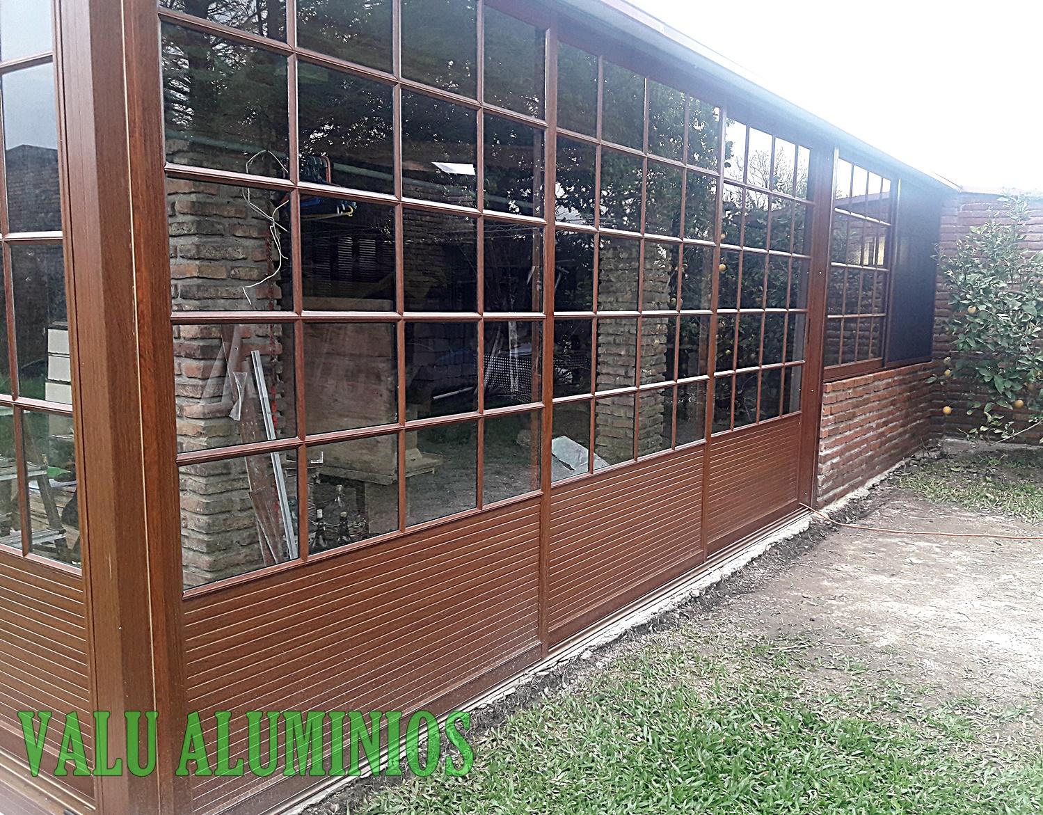 Cerramiento estilo colonial madera