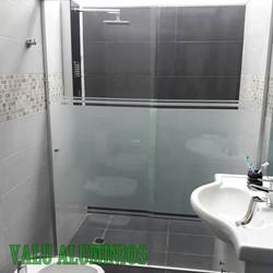Lineal en vidrio con arenado 012