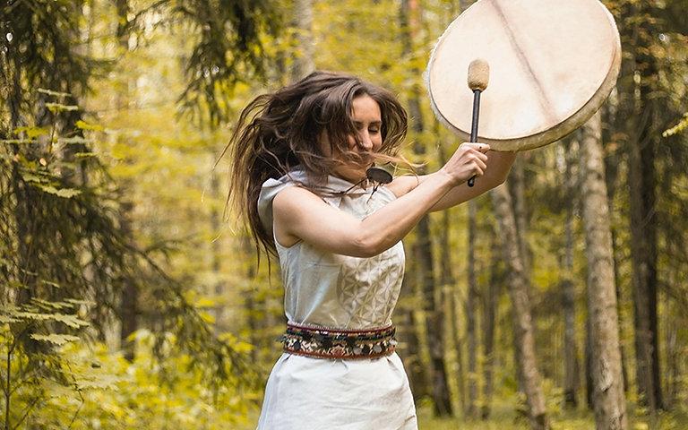 Shamanism-Drumming-Shaman-Destination-De