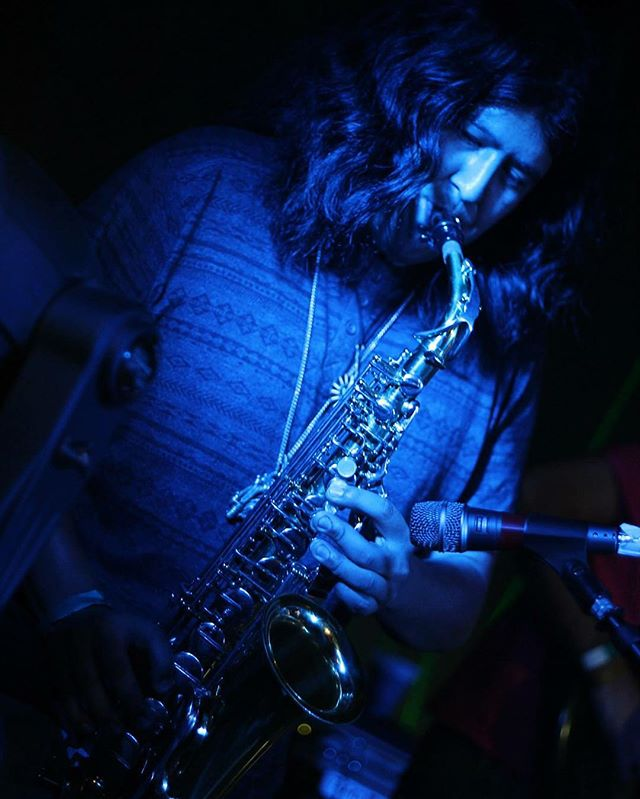 It's hard to get anymore soulful than a blue _morrisonmatthewr playing the saxophone! #crystallotuss