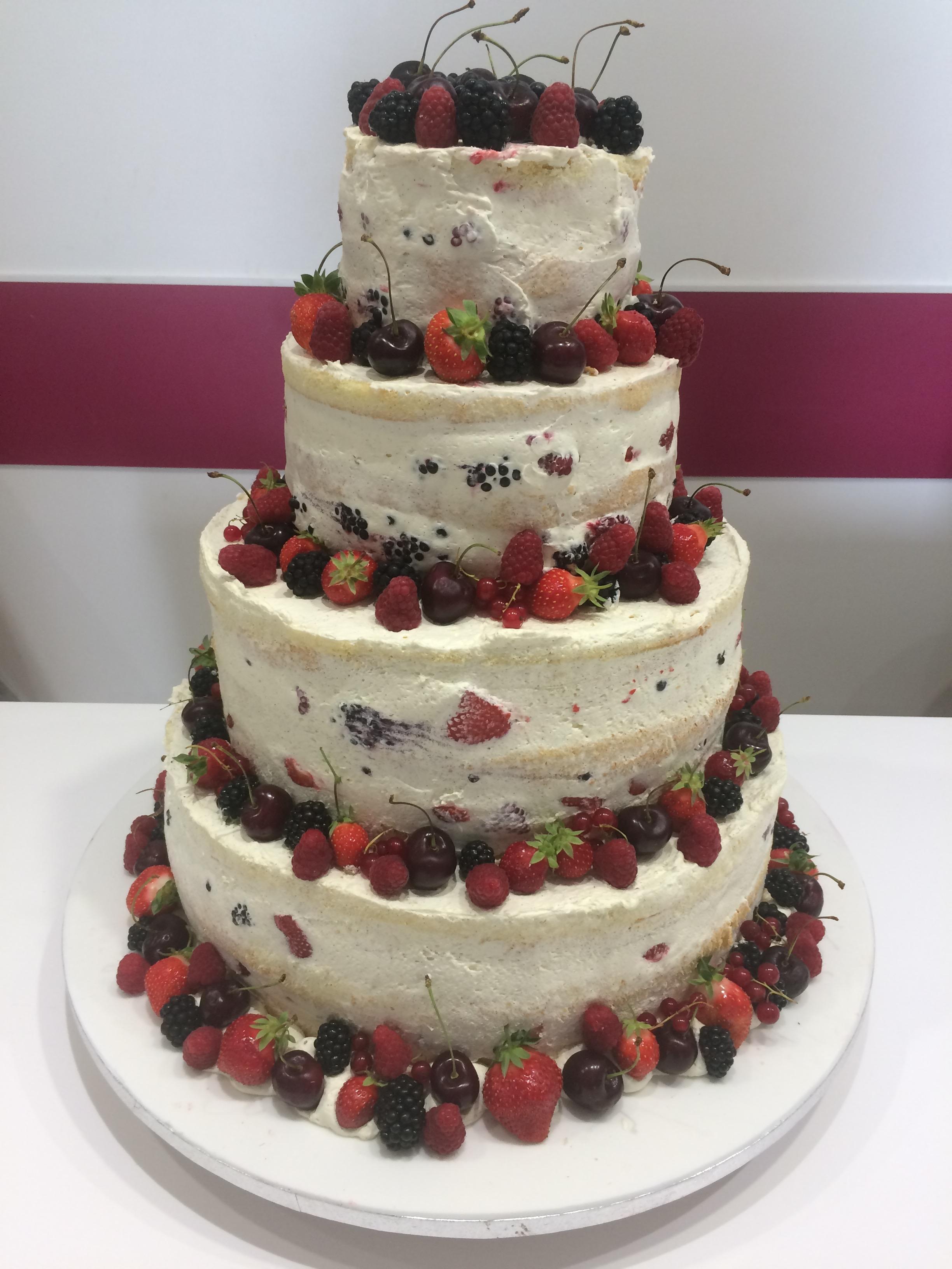 Naked Cake aux Fruits Rouges Frais