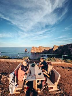 CoWorking und CoLiving auf Madeira. Feierabendbier an der Ostspitze