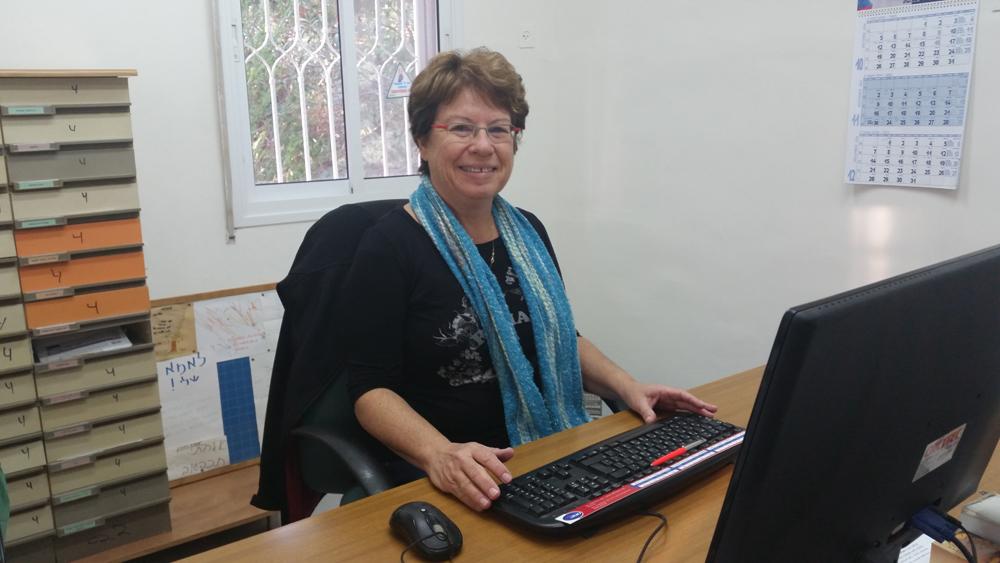 שרה- מנהלת חשבונות