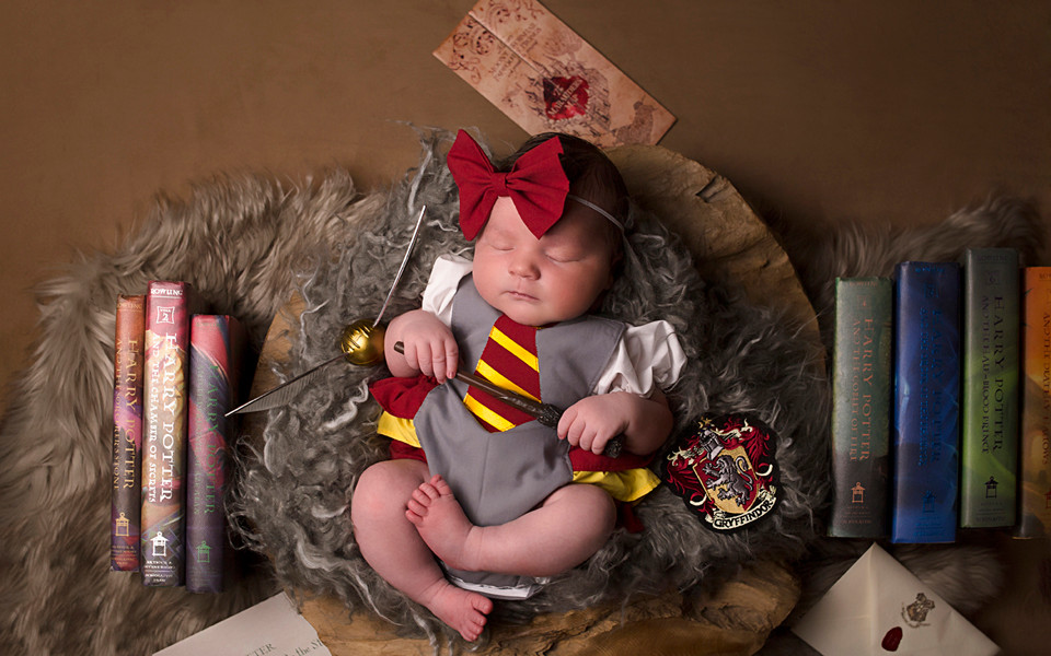 harry potter newborn photoshoot