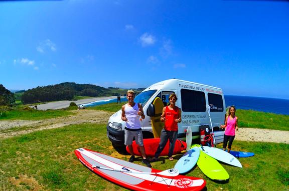 Equipo Alma Surf School