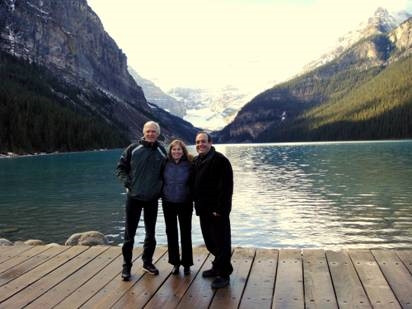 Juan Carlos Aguilar, Ron y Val Ontell en Lake Louise