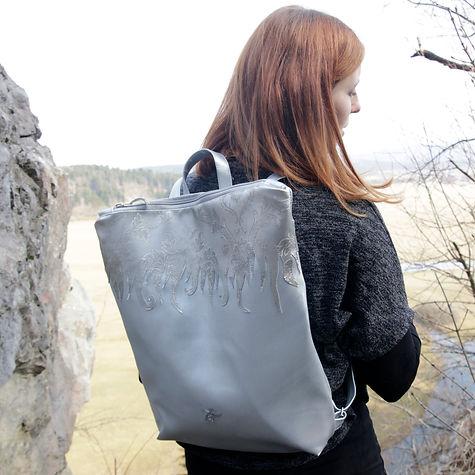 oversized_silver_backpack_coprnije2.jpg