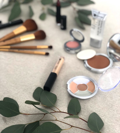 Content creation for a makeup tutorial using Jean Coutu / Personnelle cosmetics.