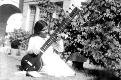 Mamma Saraswati playing Veena (1935)