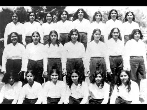 Om Mandli - School ki Kumariya
