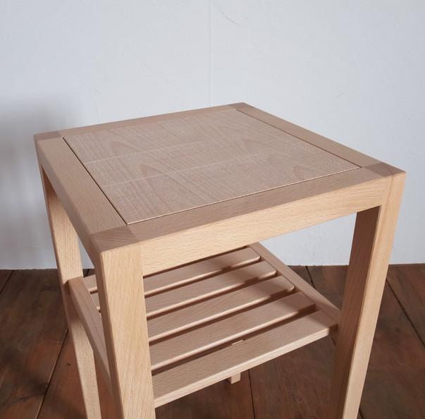 サイドテーブル寄修正.jpg