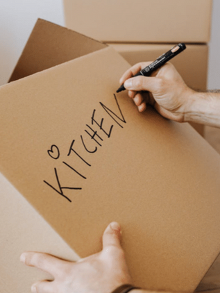 Conseils de déménagement : comment emballer votre cuisine
