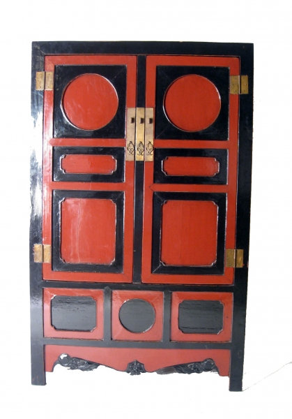 19th cent. Chinese Geometric Laquered Cabinet