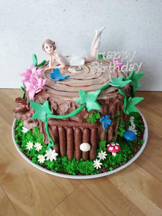 Nature inspired birthday cake
