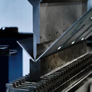 Pliage de précision, avec un savoir-faire de haut niveau. Notre vaste gamme d'outillage de pliage permet de répondre à toutes vos demandes.