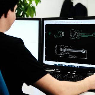 Etude de projets, 2D/3D. A l'aide de nos différents logiciels, dont Solidworks, Alphacam et Trutops, nous parvenons à vous offrir les meilleures prestations. Le projet est intégralement pris en compte et il est développé de manière optimum.