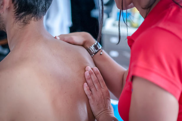 shoulder-physiotherapy-PMDH5S7.jpg