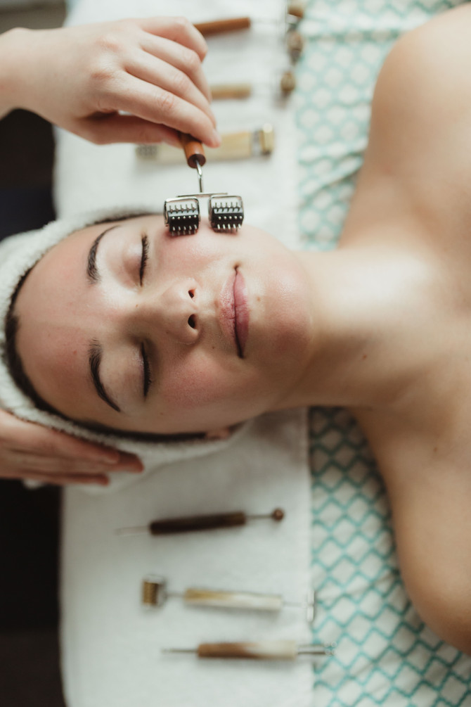 Everything You Need to Know About Facial Reflexology