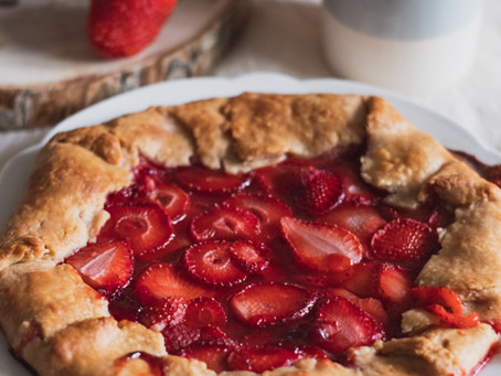 It's Pie Time - Kemps' Strawberry Rhubarb Cobbler Ice Cream is Here
