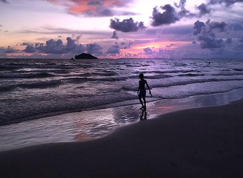 spiaggia tramonto cambogia.jpg