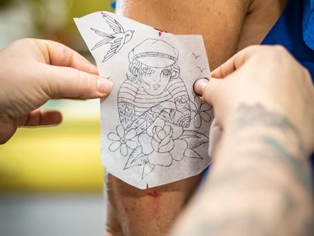 Les soins après tatouage