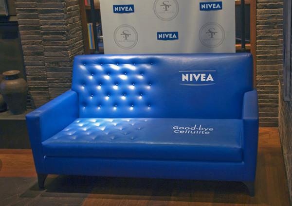 Nivea Guerilla Marketing Goodbye cellulite Sofa