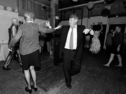 6_121110_party_0215