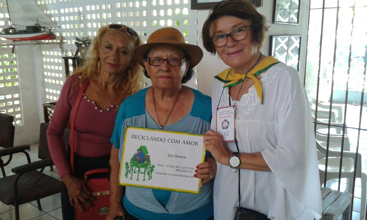 Foto_Dona_Tatá,_Presidente_Associação,_entre_uma_idosa_e_Elsi_Oliveira