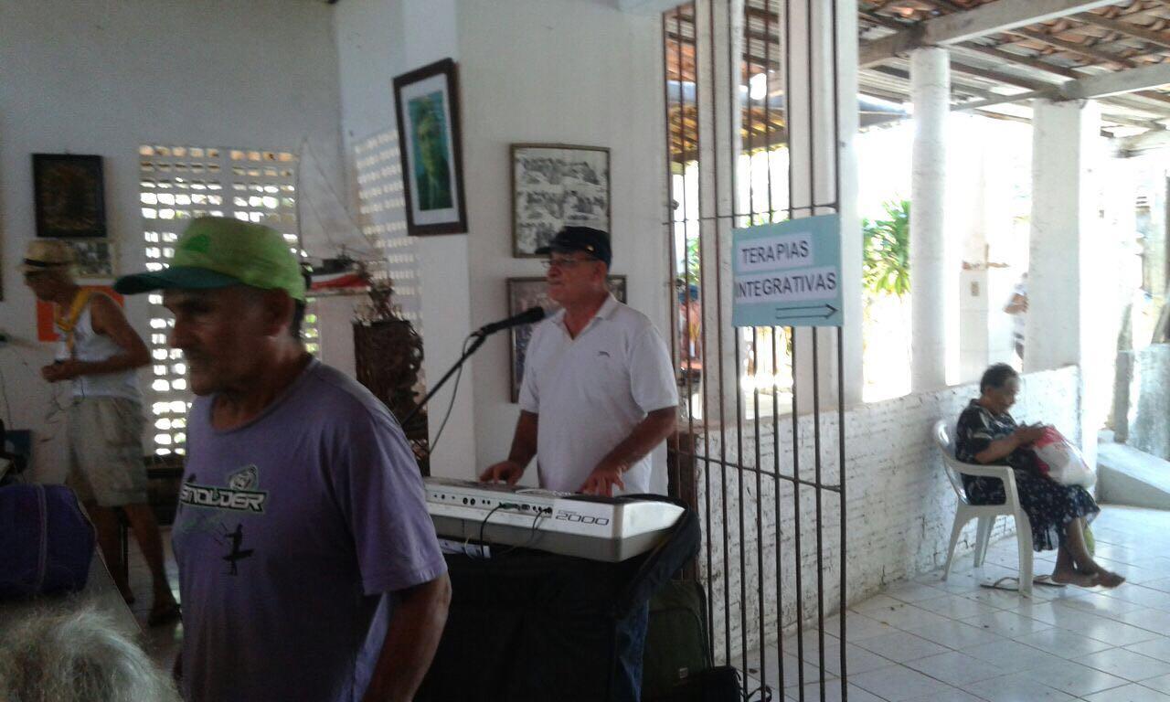 Foto12_Música_ao_Vivo_para_alegrar_o_Almoço
