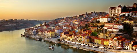 hill with old town of  Porto and river D