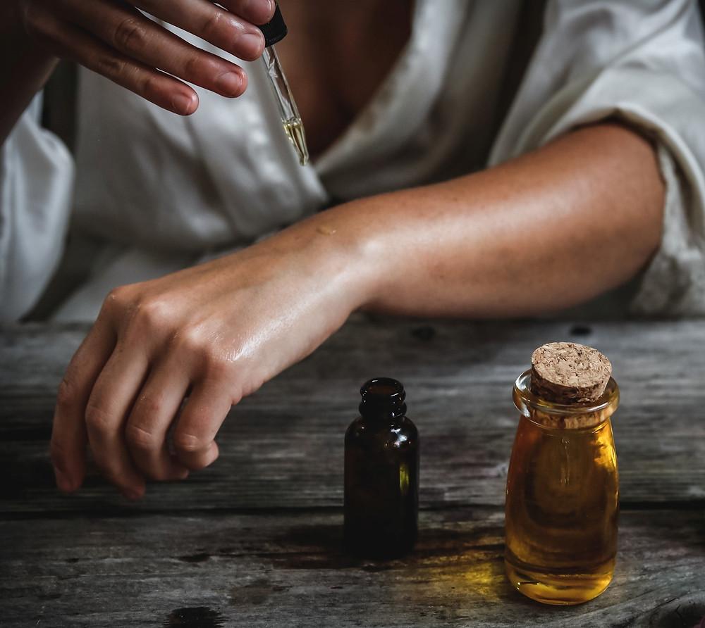 Koti Lifestyle | DIY skincare, drop of essential oil
