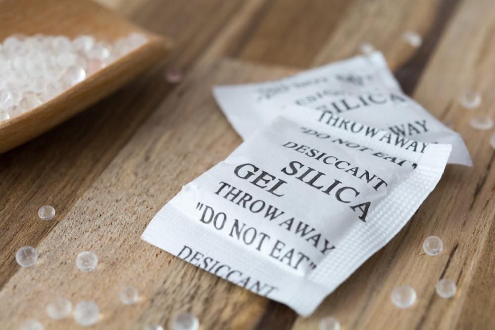 CRÉDITOS: Jakkrit pimpru Shutterstock - FUENTE: https://ecoinventos.com/usos-bolsas-gel-silice/