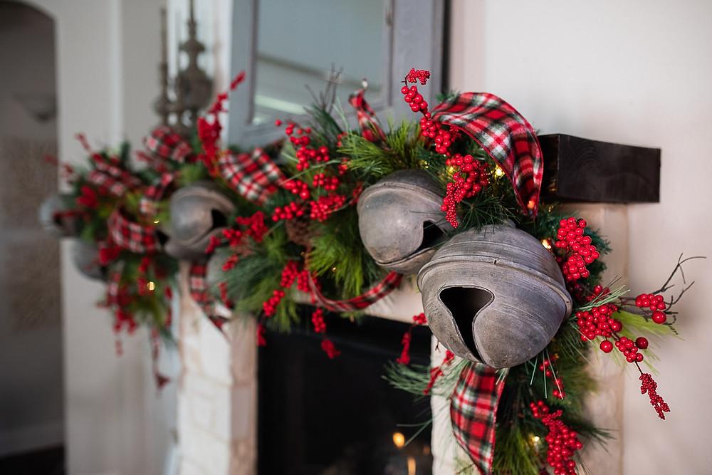 https://decoratorswarehouse.com/blog/top-trends-in-christmas-home-decor-for-2020/