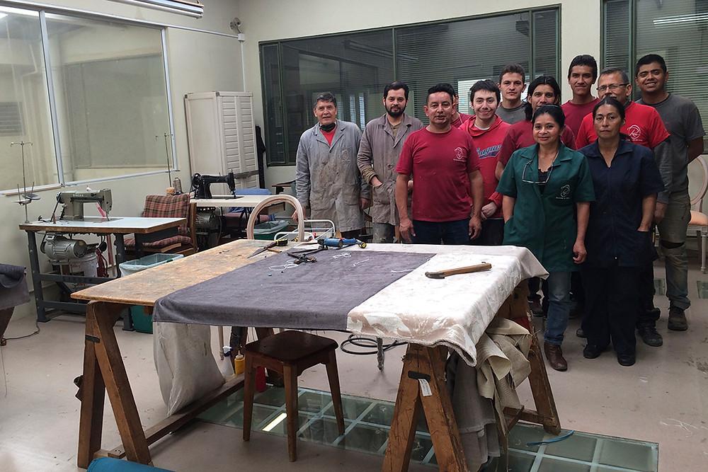 Restauracion del Mueble - Alguno de los miembros del equipo de trabajo