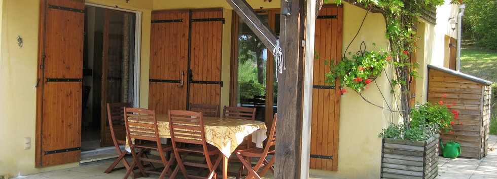 Front patio and table.jpg