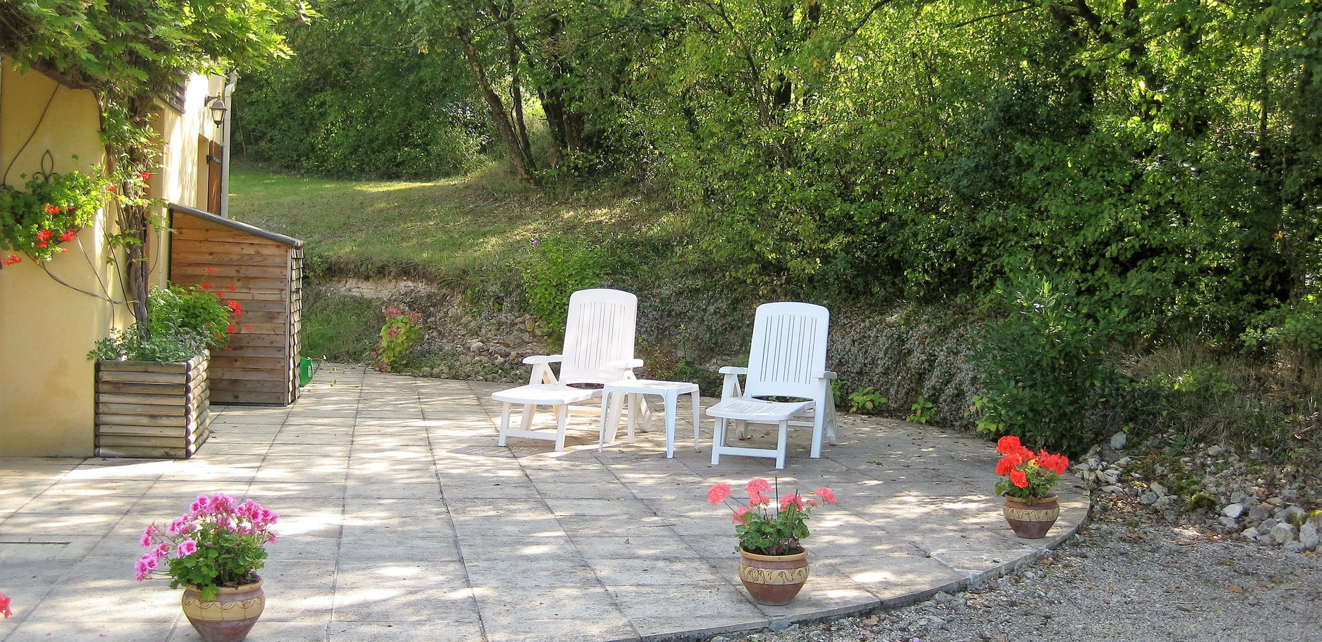 Side patio.jpg