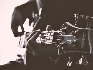 E- Bass