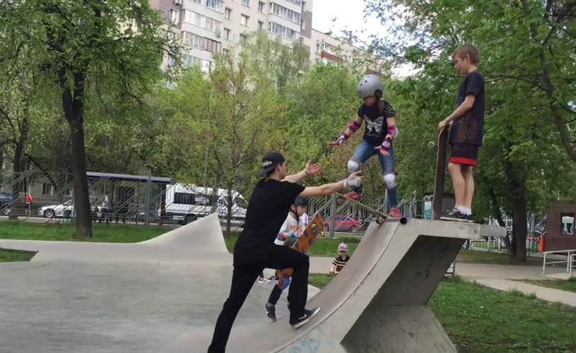 тренировка по скейтборду