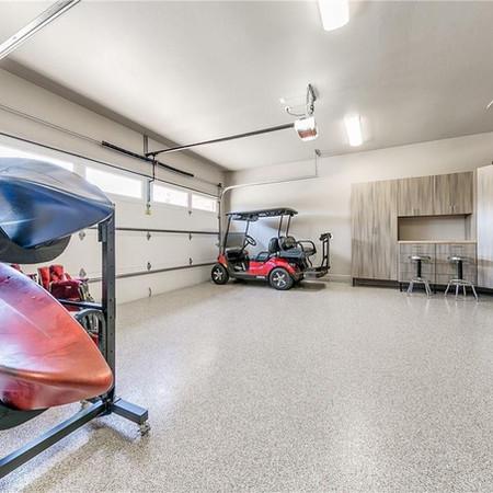 4201 Carmina Garage.jpg