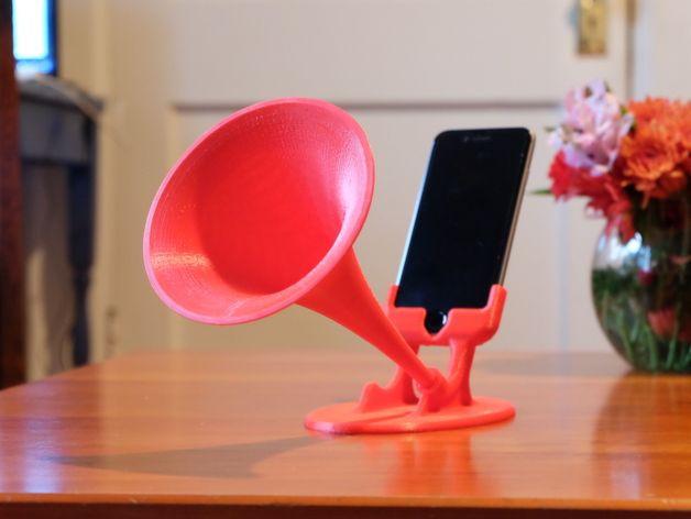 18.-GRAMiPhone-iPhone-6-Gramophone-Horn.