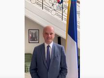 Saludo del Ministro de Educación de Francia a las familias del Lycée