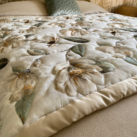 Bed End Runners & Platform Quilts