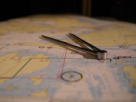 sailing-1806490_1920.jpg