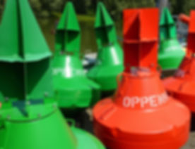 buoys-408287_1920.jpg