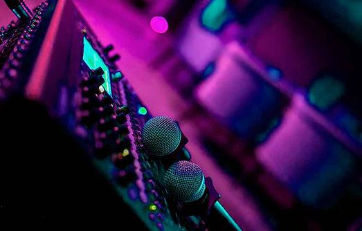 Larala Karaoke Satélite Lomas Verdes Green Plaza, tecnología equipo escenario micrófono mp3 en línea