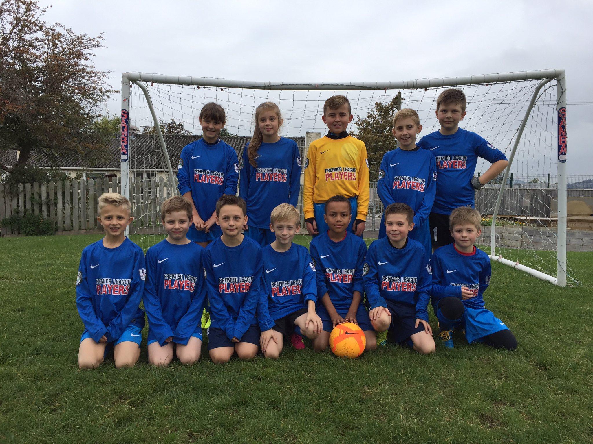 Football team v OPJS
