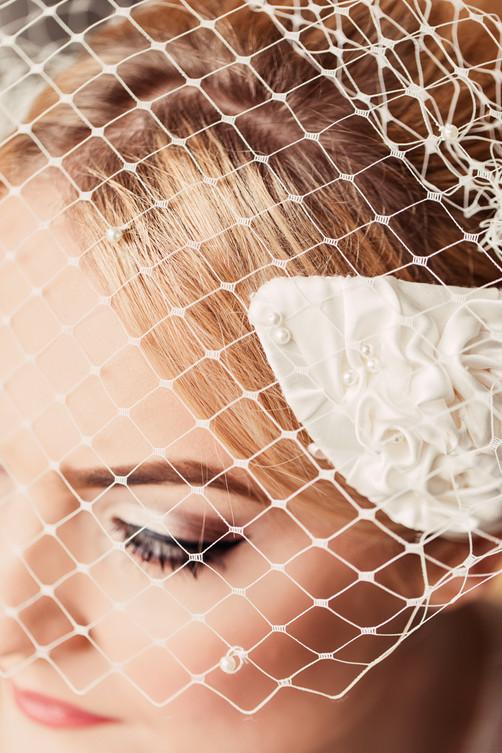'Swan' Birdcage Veil Headpiece Detail